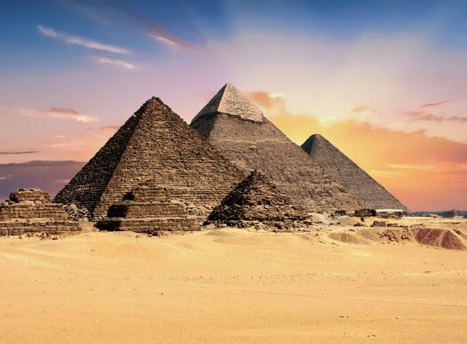 Hrobka u Egyptských pyramid