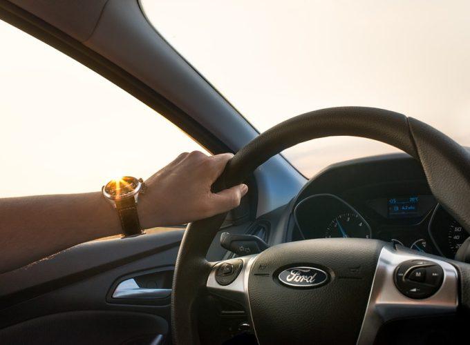Jak překonat strach z řízení rychle, přesto v klidu